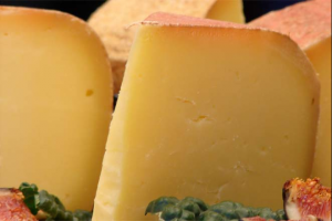Difference between mozzarella cheese and Parmesan cheese