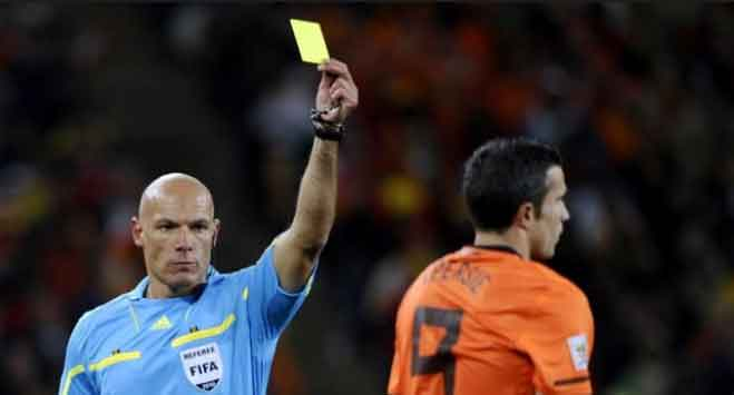 Difference-between-yellow-card-and-red-card